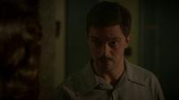 Stark excusándose con Carter