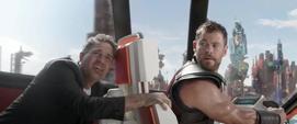 Banner en el Comodoro con Thor