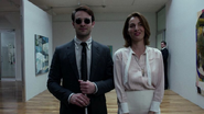 Murdock y Marianna en la galería