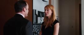 Potts le agradece a Coulson la ayuda