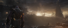 Thanos ve a Midnight y Glaive morir