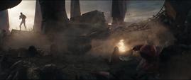 Lang pasa cerca de Parker, Stark y Obsidian