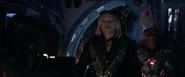Romanoff sentada en el Benatar