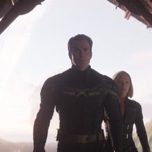 Rogers y Romanoff llegan para confrontar a Thanos.png