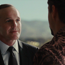 Tony y Coulson.png