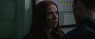 Romanoff es interrogada por Rogers