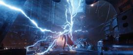 Thor con el Rompe Tormentas