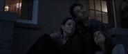 Lang ve el cielo junto a Hope y Cassandra