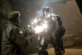 Stark peleando con un sujeto con el traje