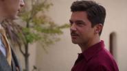 Stark le hace una propuesta a Jarvis