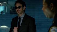 Matt Murdock viendo el cadaver de Elena