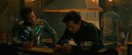 Beck y Parker comparten en el bar