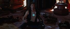 Stark descubre a Potts viva