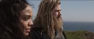 Brunnhilde habla con Thor sobre el futuro de Asgard