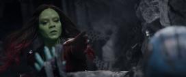 Gamora intenta salvar a Nebula