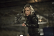 Romanoff tras someter a Glaive