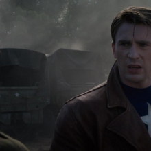 Steve Rogers hablando con Peggy Carter.png