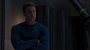Rogers discute con Stark sobre Coulson