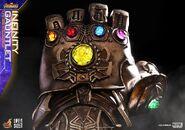 Infinity Gauntlet Hot Toys 4