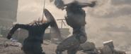 Natasha usando escudo