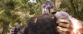 Thanos con su poder al máximo