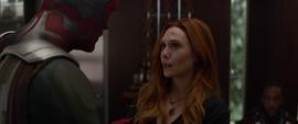 Wanda escuchando a Visión