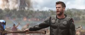 Thor presenta a Groot