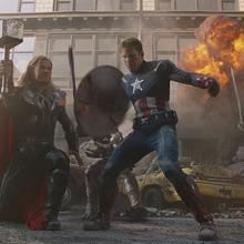 Thor y Capitán América en Nueva York.png