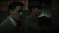 Thompson y Sousa en el Almacén de Stark