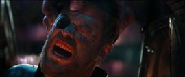 Thor es torturado por Thanos