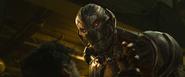 Ultrón amenaza a Klaue