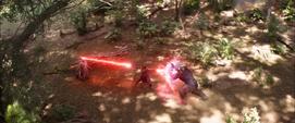 Maximoff ataca a Visión y Thanos