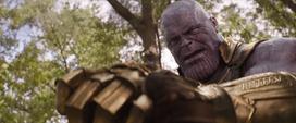 Thanos se sorprende por la fuerza de Rogers