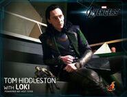 Tom with Loki Hot Toys3
