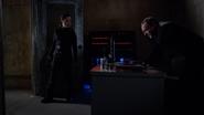 Coulson robando información de HYDRA