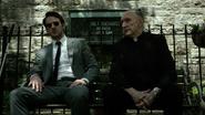 Murdock y Lantom sentados