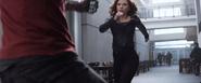 Natasha se acerca a Bucky