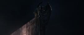Toomes esperando a que el avion de carga despegue - Spider Man Homecoming