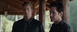 Rogers y Lang se reúnen con Stark