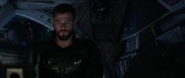 Thor escucha la información de Danvers