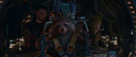 Thor y Rocket abordan una cápsula