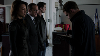 Fitz escane a May, Coulson y Ward