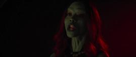 Gamora de 2014 se da cuenta que Nebula va a dispararle