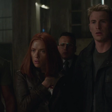 Rogers y los demás descubren a Fury vivo.png