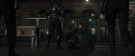 Vengadores ayudan a Visión