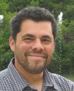 Javier Saltares.jpg