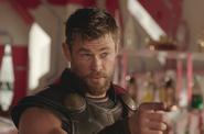 Thor-Ragnarok3 002