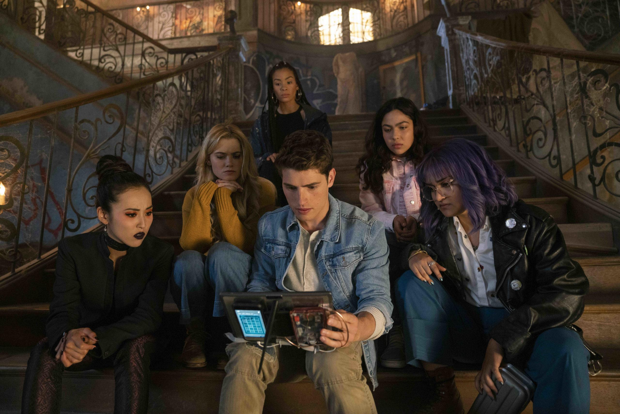 Marvel's Runaways Season 3 3