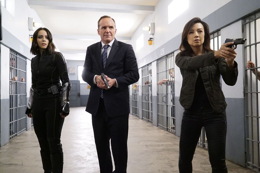 Marvel's Agents of S.H.I.E.L.D. Season 4 5