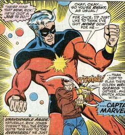 Rick Jones en Captain Marvel verbonden door de Nega bands (Avengers -72).jpg